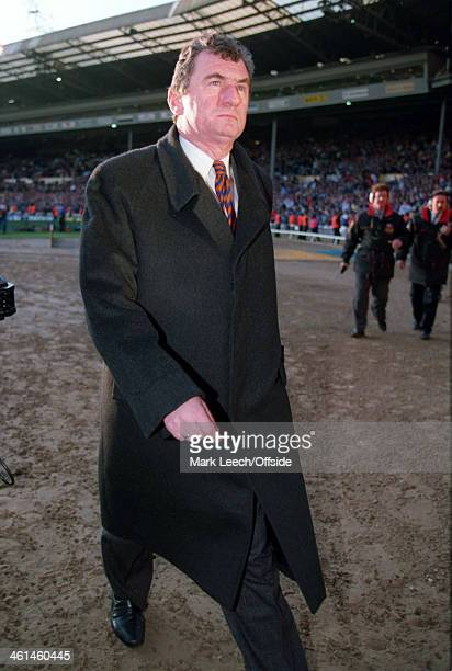 09 April 1994 FA Cup SemiFinal Chelsea v Luton Town Luton manager David Pleat