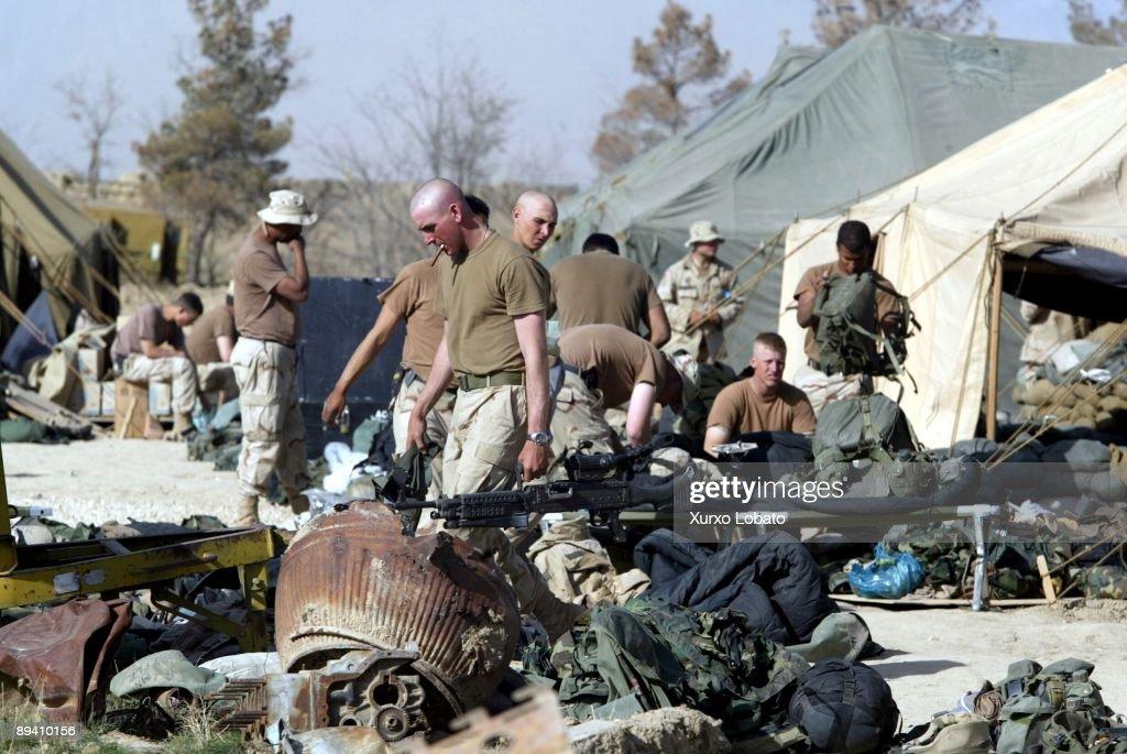 2 April 2002 , Bagram. (Afganistan) American base in Bragam : News Photo