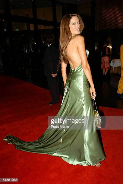 18 April 2004 TARA MOSS arriving on the red carpet for the 2004 TV Week Logie Awards At the Crown Casino Melbourne Victoria Australia SIMMONE