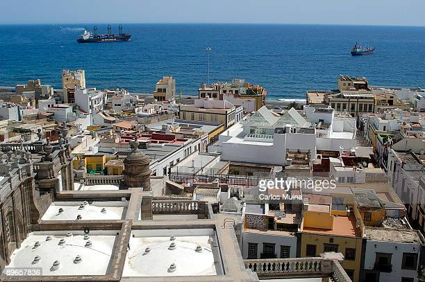 01 april 2006. las palmas de gran canarias, gran canaria (canary islands, spain). general view of the city from the windowed balcony of santa ana cathedral. - las palmas cathedral stock photos and pictures
