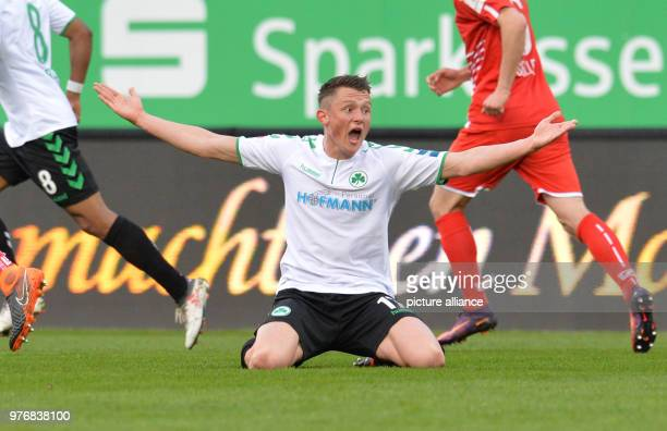 Soccer Second Bundesliga SpVgg Greuther Fuerth vs Jahn Regensburg at Sportpark Ronhof Thomas Sommer Fuerth's Fabian Reese gestures Photo Timm...