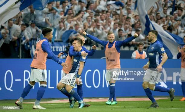 April 2018, Germany, Gelsenkirchen:Soccer, German Bundesliga, FC Schalke 04 vs Borussia Dortmund at the Veltins Arena:Schalke's Yevhen Konoplyanka...