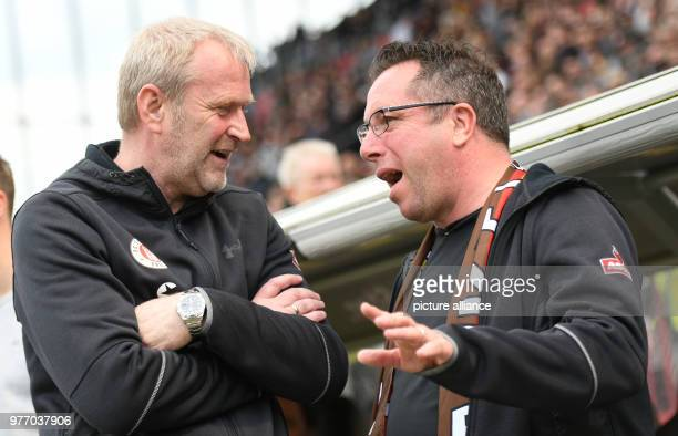 Soccer 2nd Bundesliga FC St Pauli vs SpVgg Greuther Fuerth in the Millerntor stadium St Pauli head coach Markus Kauczinski speaking with St Pauli's...