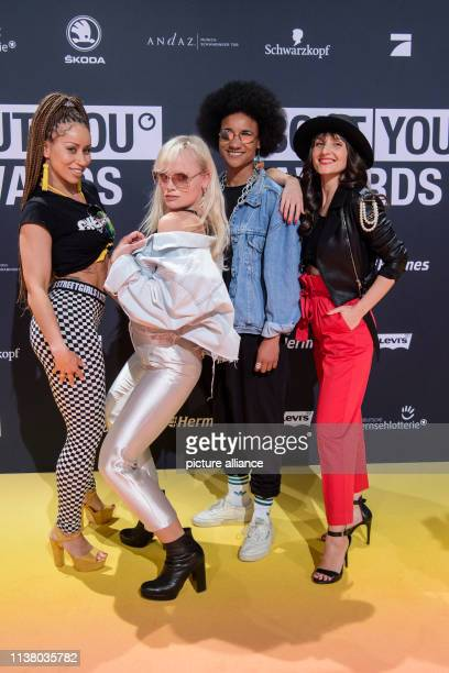 April 2019, Bavaria, Grünwald: The band chief boss with Sofie Baila , dancer Maike Mohr, singer Alice Martin and Andra Kennedy come to the...