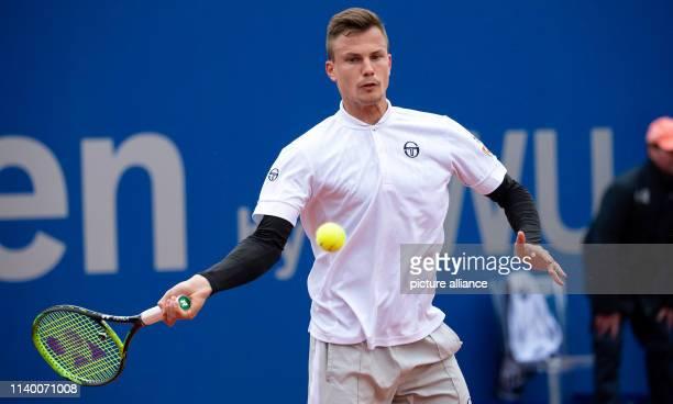 Tennis ATPTour Munich singles men 1st round Sonego Fucsovics Marton Fucsovics in action Photo Sven Hoppe/dpa