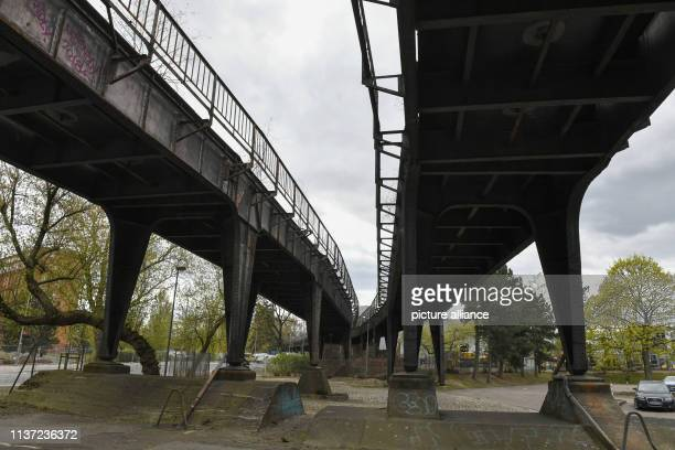 April 2019, Berlin: Disused tracks at Wernerwerk station. The disused Siemensbahn, which was built as a viaduct railway, is a former S-Bahn line. It...