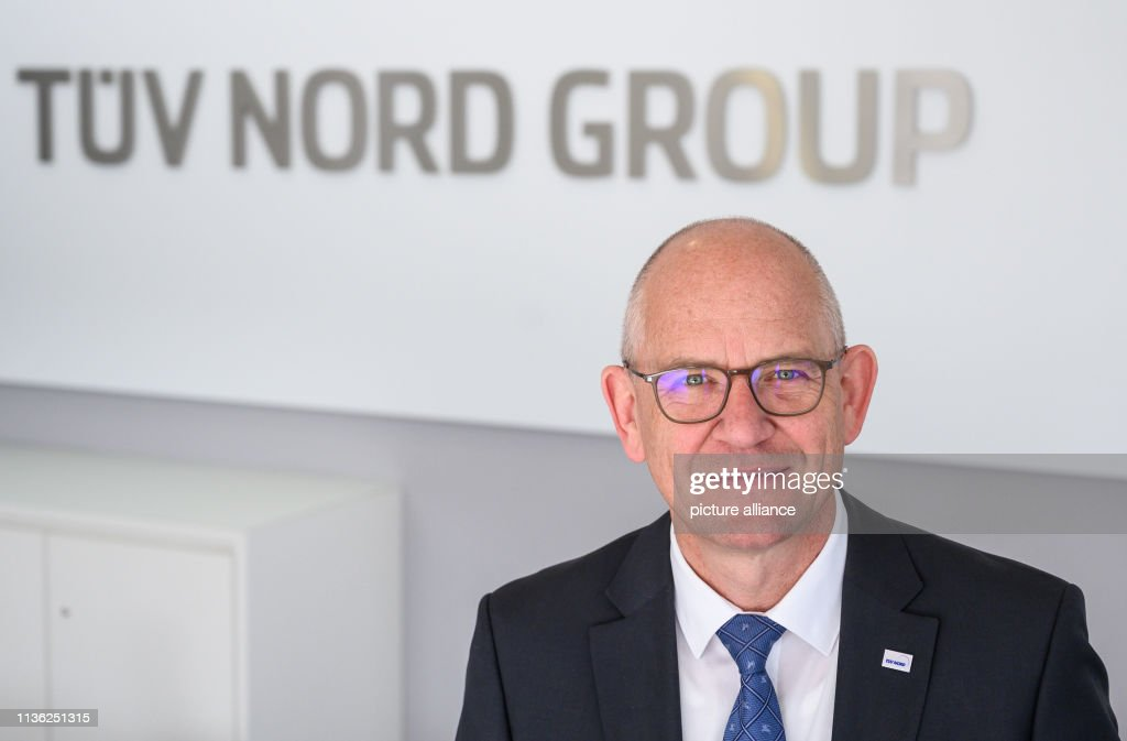 Dirk Stenkamp, CEO of TÜV Nord AG, will be at the entrance