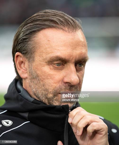 Soccer Bundesliga Hannover 96 FSV Mainz 05 31st matchday in the HDI Arena Hanover coach Thomas Doll before the game Photo Swen Pförtner/dpa IMPORTANT...