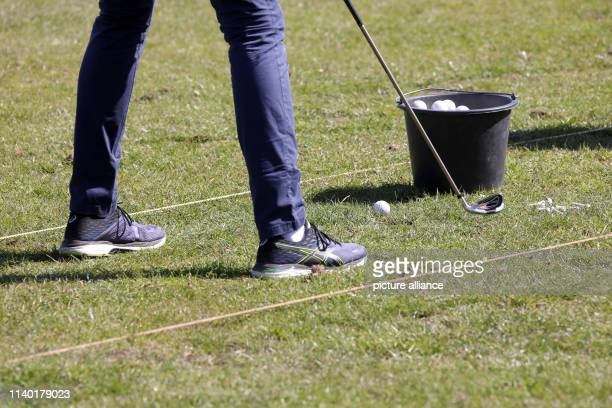19 April 2019 MecklenburgWestern Pomerania RibnitzDamgarten At a golf taster course for beginners on the golf course Zum Fischland the participants...