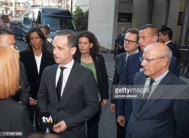 18 April 2019 Portugal Funchal Foreign Minister Heiko Maas and Portuguese Foreign Minister Augusto Santos Silva visit the hospital Hospital Central...