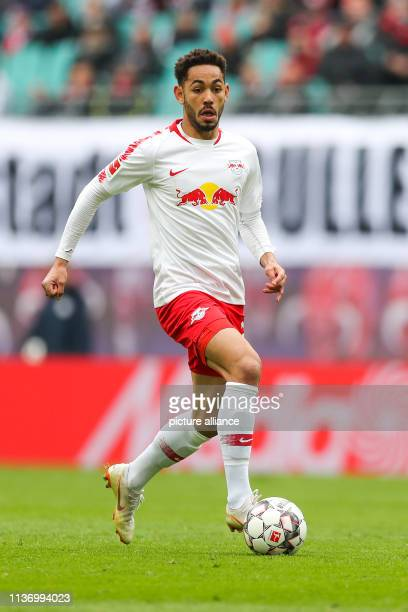 Soccer Bundesliga 29th matchday RB Leipzig VfL Wolfsburg in the Red Bull Arena Leipzig Leipzig's player Matheus Cunha on the ball Photo Jan...
