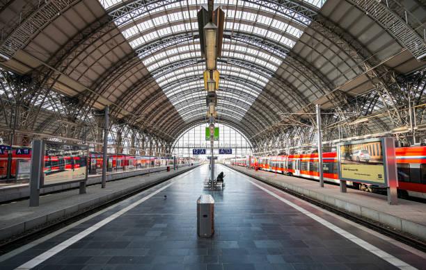 DEU: Coronavirus - Frankfurt am Main Central Railway Station