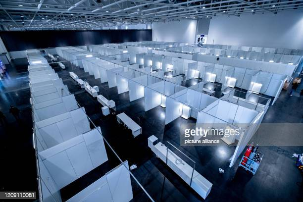 April 2020, Lower Saxony, Hanover: The makeshift clinic on the exhibition grounds, which was visited by Minister President Weil on the same day. The...