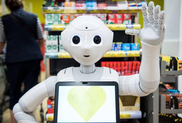 "DEU: Robot ""Pepper"" Admonishes To Corona Rules"