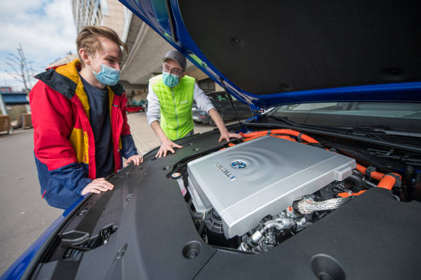 DEU: Driving School With Hydrogen Car