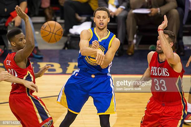 Golden State Warriors guard Stephen Curry passing the ball during game 3 of the first round of the NBA Western Conference playoffs between the Golden...