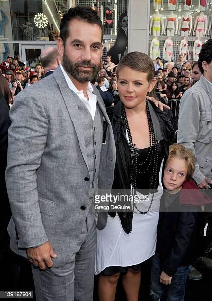 April 30 2009 Hollywood Ca Adrian Pasdar Natalie Maines and son Jackson Slade Pasdar Star Trek Los Angeles Premiere Held at Grauman's Chinese Theatre