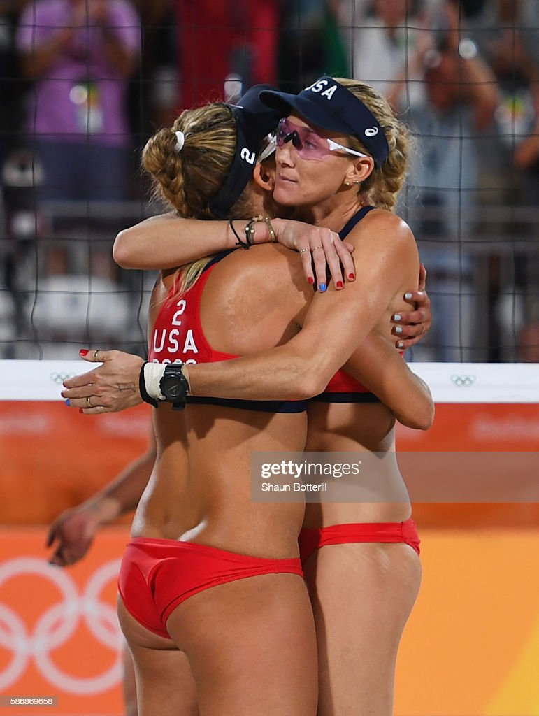 b552b0c10c April Ross and Kerri Walsh Jennings of the United States victory ...