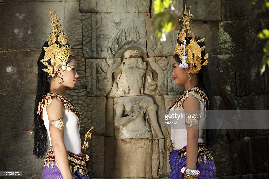 Apsara dancers : Stock Photo