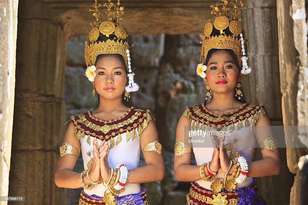 Apsara dancers : Stock Photo