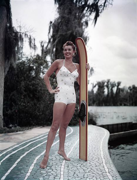 Esther Williams At Cypress Gardens Wall Art