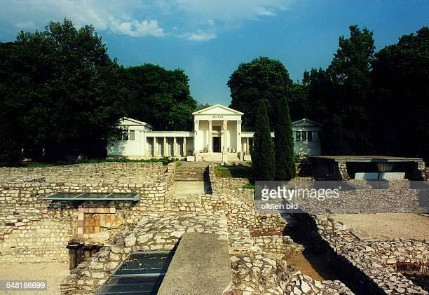 Aquincum / Römische Ausgrabungen Ruinen der Thermen Museumsgebäude 1999