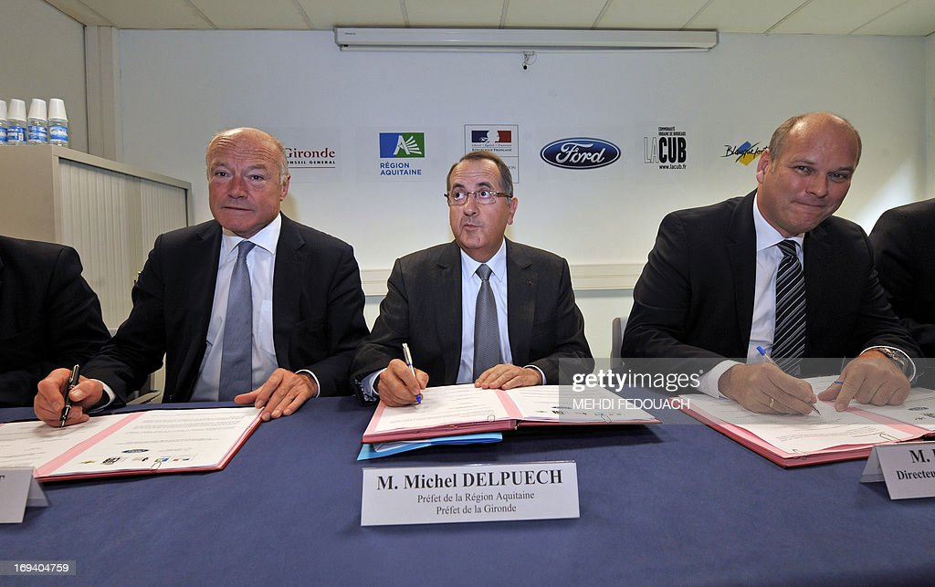 FRANCE-AUTOMOBILE-FORD-EMPLOYMENT : News Photo