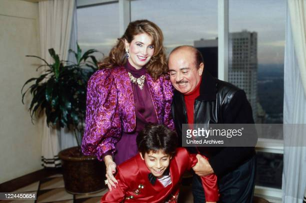 Arab business man Adnan Kashoggi with his wife Lamia and their son Ali at New York, USA 1986.