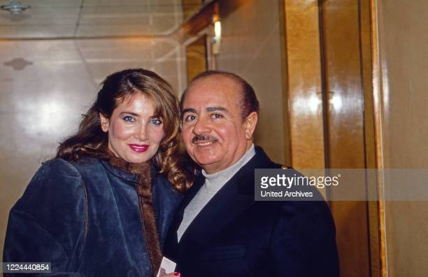 Arab business man Adnan Kashoggi with his wife Lamia at New York USA 1986