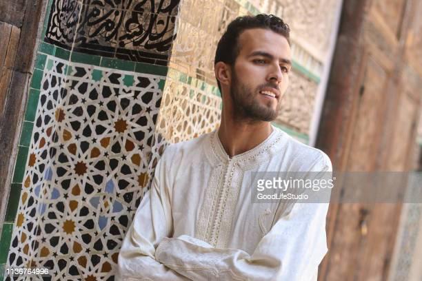 homme arabe - homme marocain photos et images de collection