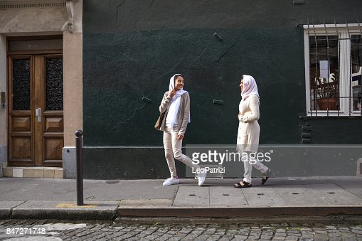 Arab youth in Paris - Middle eastern Millennials
