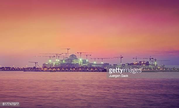 Saoudite on the Rise-Construction de grues à Abou Dhabi
