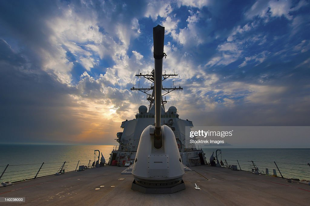 Arabian Sea, March 22, 2011 - The guided-missile destroyer USS Higgins (DDG-76) is underway in the Arabian Gulf.  : Stock Photo