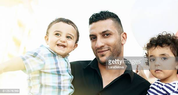 アラビアの父と彼の小さなお子様に