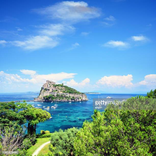 イスキア島、イタリアのアラゴン城
