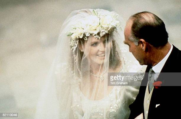 Arah Ferguson With Her Father Major Ronald Ferguson At Westminster Abbey On The Day Of Her Wedding To Prince Andrew