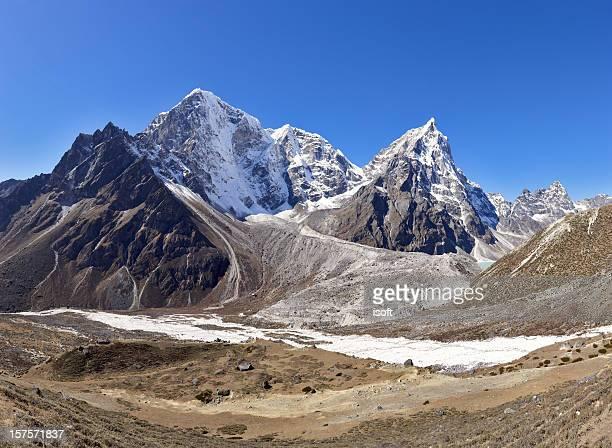 arakam tse. everest circuit. nepal motives. - khumbu stock pictures, royalty-free photos & images