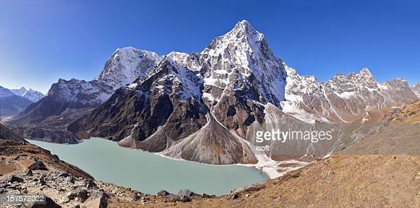 arakam tse. everest circuit. nepal motives. - gokyo lake stock pictures, royalty-free photos & images
