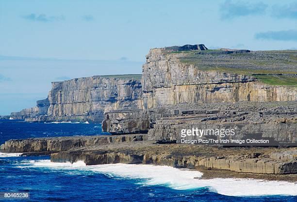 aran island, dun aengus, inishmore, ireland - dun aengus stock pictures, royalty-free photos & images