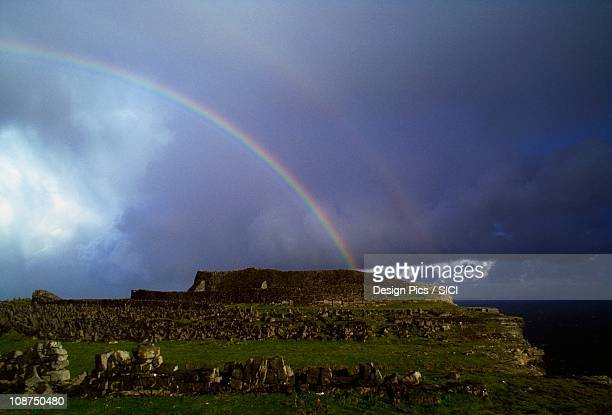 aran islands, co galway, ireland, inishmore, dn aengus - dun aengus stock pictures, royalty-free photos & images