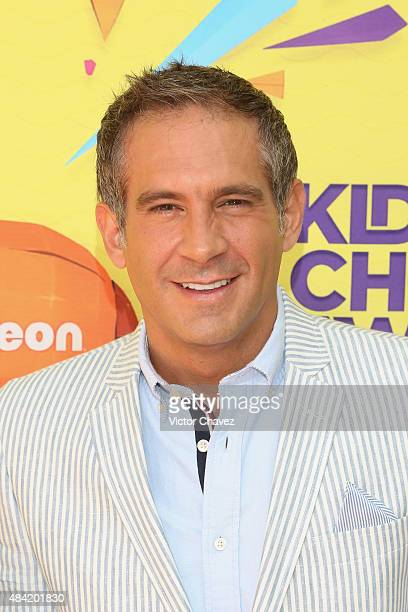 Arath de la Torre arrives at Nickelodeon Kids' Choice Awards Mexico 2015 Red Carpet at Auditorio Nacional on August 15 2015 in Mexico City Mexico
