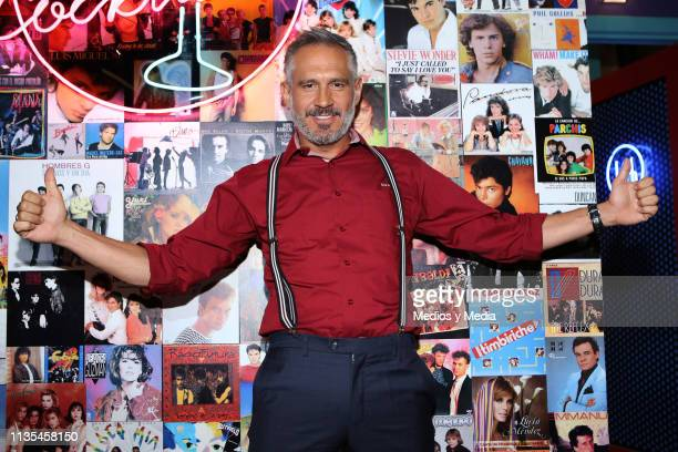 Arath de la Torre pose for photos during the premiere of Televisa's TV series 'Simon Dice' on March 12 2019 in Mexico City Mexico
