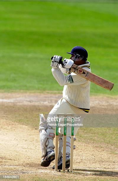 Aravinda de Silva hooks Flintoff for 4 England v Sri Lanka 3rd Test Old Trafford Jun 02