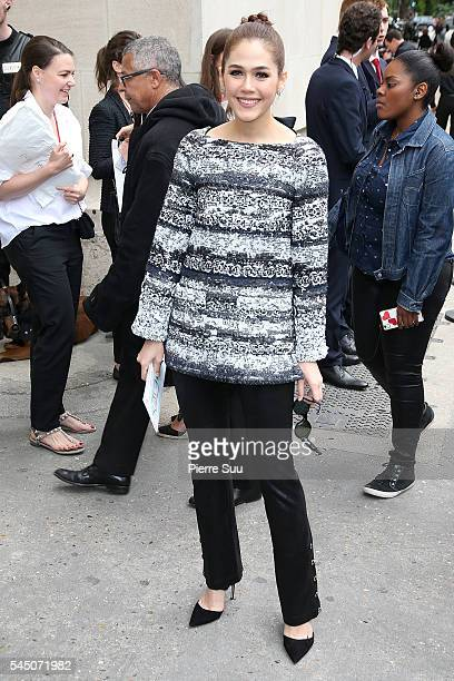 Araya Alberta Hargate arrives at the Chanel Haute Couture Fall/Winter 20162017 show as part of Paris Fashion Week on July 5 2016 in Paris France
