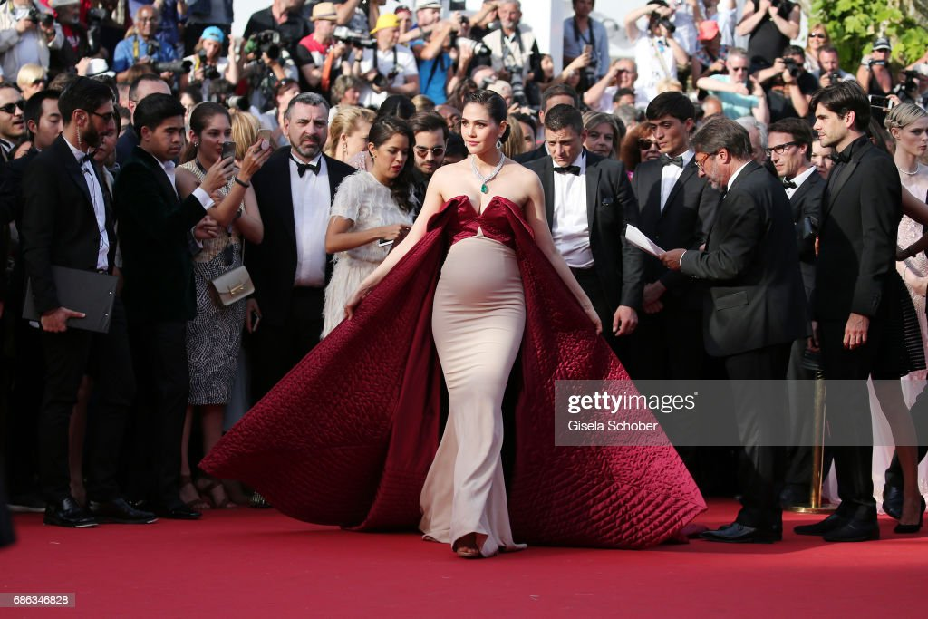 """""""The Meyerowitz Stories"""" Red Carpet Arrivals - The 70th Annual Cannes Film Festival : News Photo"""