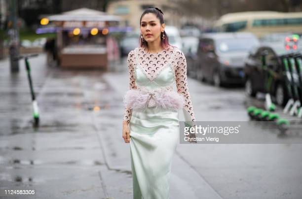 Araya Hargate is seen outside Elie Saab during Paris Fashion Week Haute Couture Spring Summer 2019 on January 23 2019 in Paris France