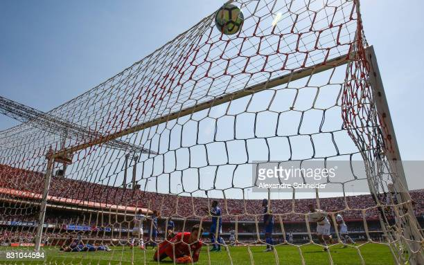 Arboleda of Sao Paulo scores their second goal during the match between Sao Paulo and Cruzeiro for the Brasileirao Series A 2017 at Morumbi Stadium...