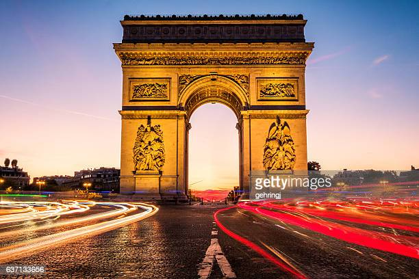 arc de triomphe at dawn - paris - champs elysees quarter stock pictures, royalty-free photos & images