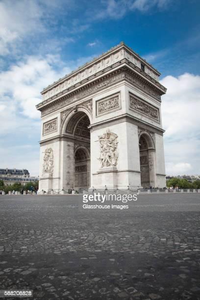 arc de triomphe, champs elysees, paris, france - arc de triomphe photos et images de collection