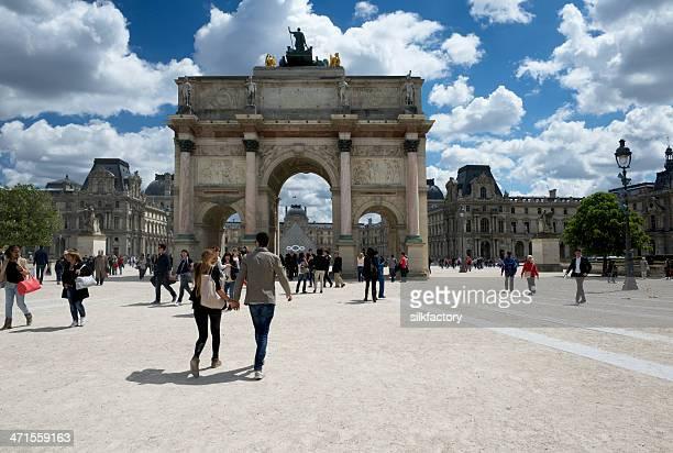 Arc de Triomphe du Carrousel et le musée du Louvre